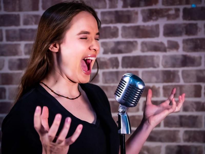 nicole decamillo voice talent